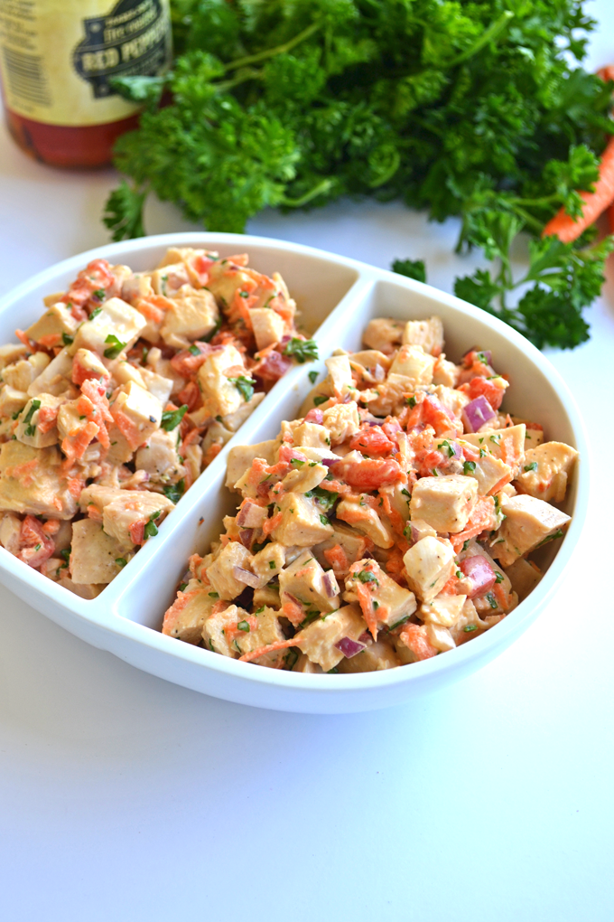Roasted Garlic Chicken Salad / whole 30 approved & paleo! With homemade mayo and veggies! A healthy and satisfying lunch!