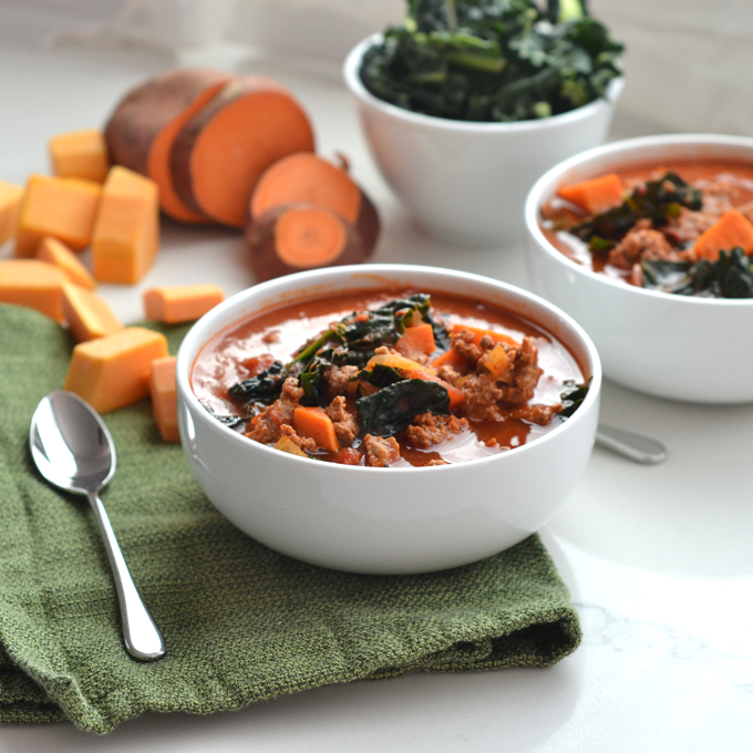 This Sweet Potato & Kale Chili is bean free and whole30 compliant! A healthy bowl perfect for a cold night