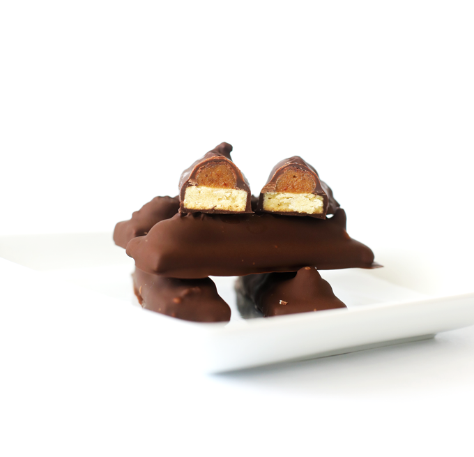 These Paleo Twix are a grain free and refined sugar free version of your favorite candy bar!