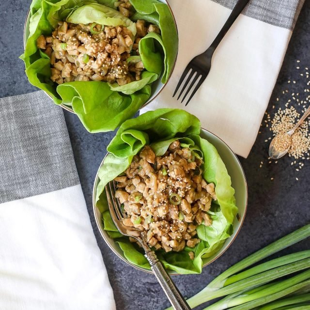 Tonight I'm out second virtual cooking class sponsored by @chosenfoods, we are making these Sesame Chicken Lettuce Wrap Bowls!! They totally don't need to be served in a bowl but had to be in this book because they are so easy to make and so tasty. Join us tonight at 4pm PST, 6pm CT on zoom! My sister @brittmwilde will be joining me again and we can't wait to chat with you all! #partner - Head the the link in my bio to snag a spot if you haven't already! -  https://www.eventbrite.com/e/unbelievabowl-paleo-cooking-class-sesame-chicken-lettuce-wrap-bowls-tickets-113800285718